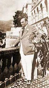 Caruso who stayed at the hotel and has a suite named after him