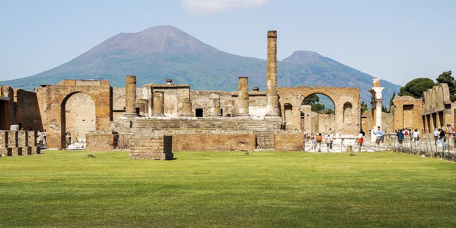 pompeii-vesuvius